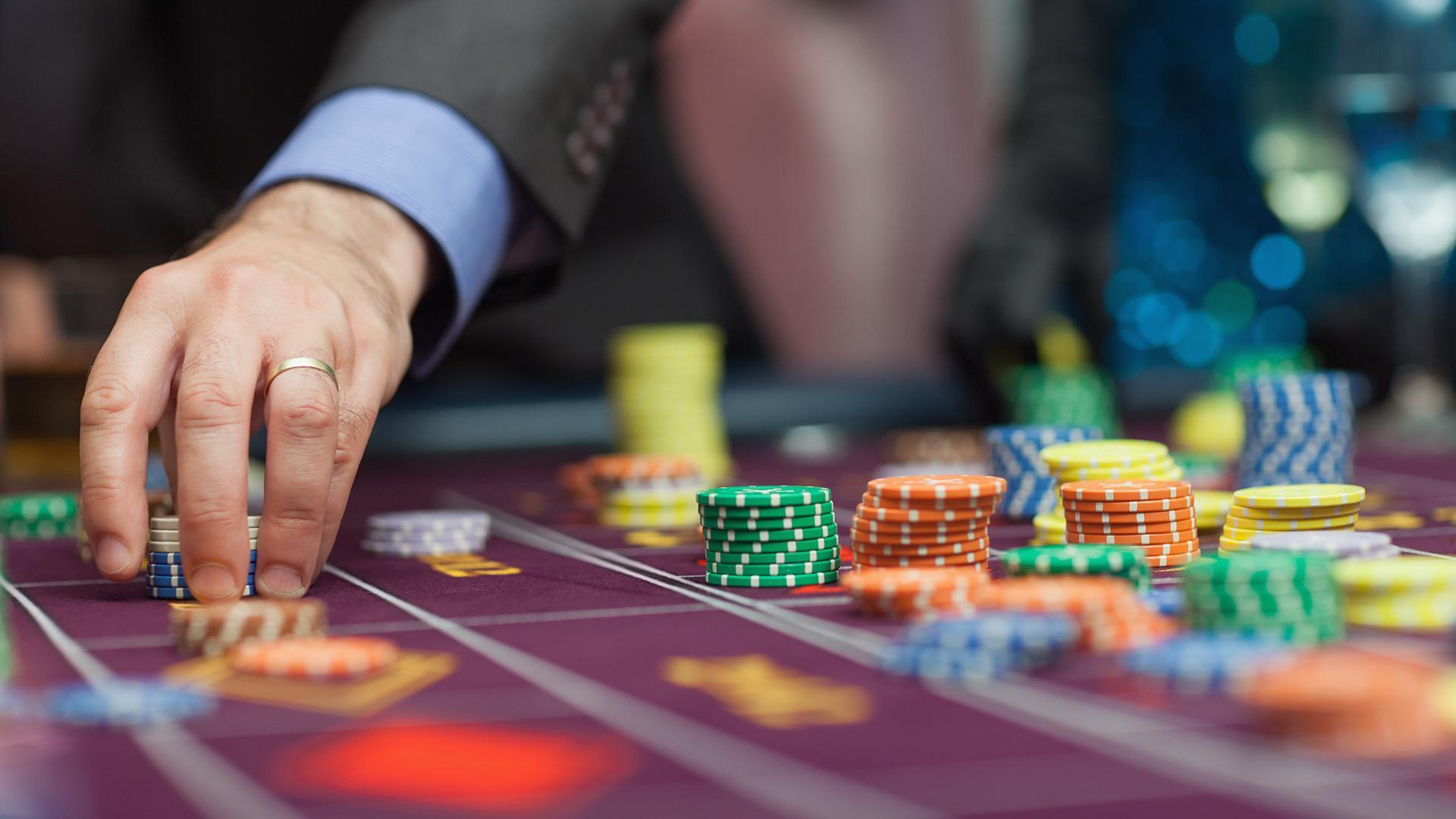 Принцип игр в онлайн казино бесплатные игровые автоматы самолеты